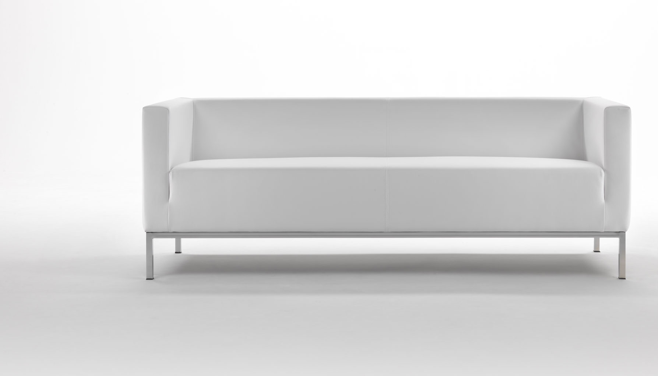 Tisch fr couch top affordable interesting gartenmbel for Couch mehrzahl